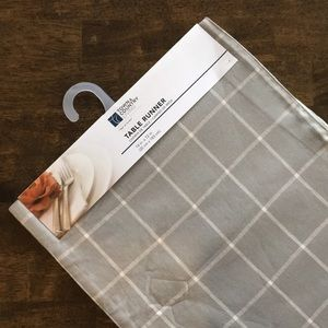NWT Grey and White Plaid Table Runner | Kitchen Linen and Decor